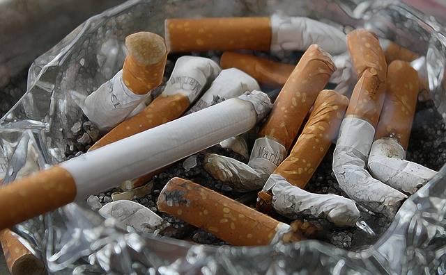 Cigarettes Ash Tilt - Free photo on Pixabay (225279)