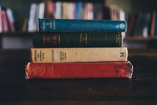 Books Library Jrr Tolkien - Free photo on Pixabay (226084)