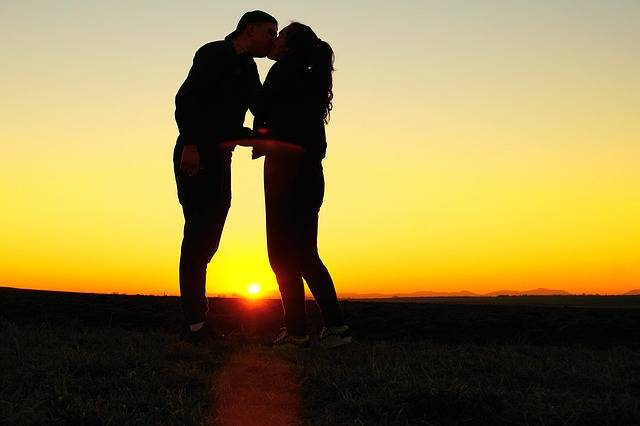 Kiss Love Young - Free photo on Pixabay (242098)