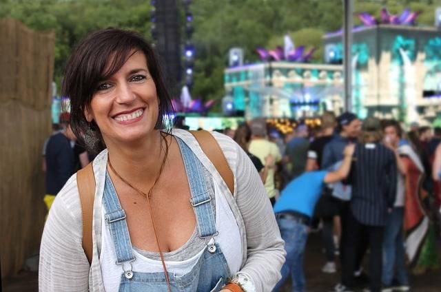 Woman Festival Smile - Free photo on Pixabay (257546)