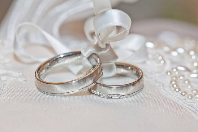 Wedding Rings - Free photo on Pixabay (259653)