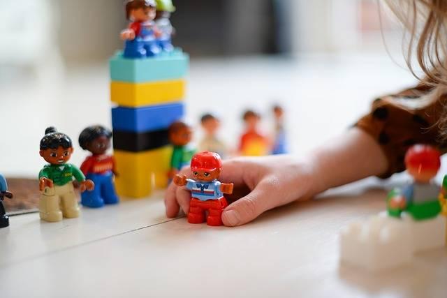 Girl Playing Toy - Free photo on Pixabay (279717)