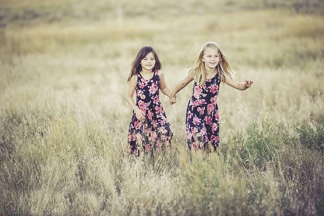 Sisters Girls Summer - Free photo on Pixabay (281872)