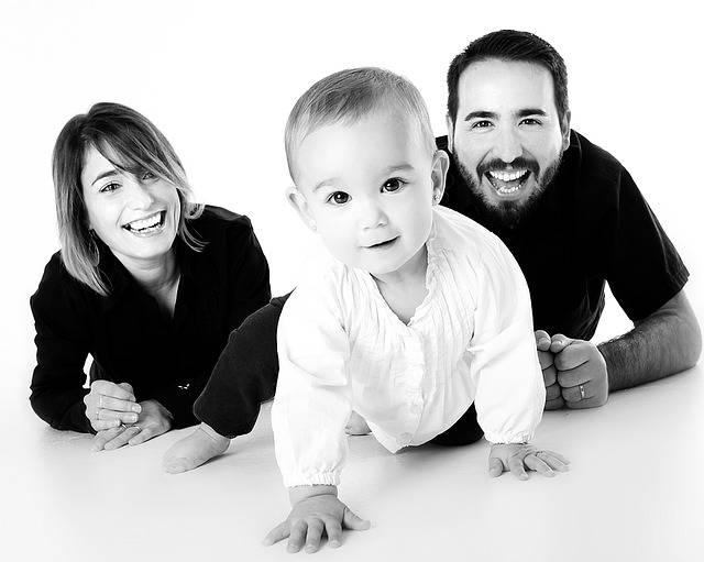 Family Baby Crawling - Free photo on Pixabay (283126)