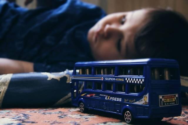 Sad Child Double-Decker Toys - Free photo on Pixabay (297419)