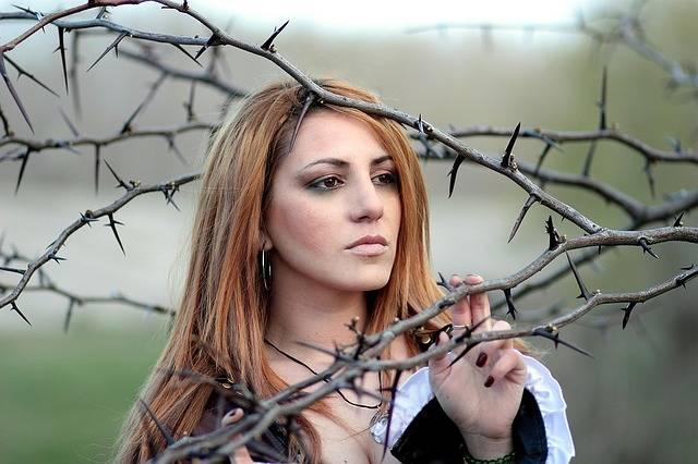 Girl Thorns Sensual - Free photo on Pixabay (297579)