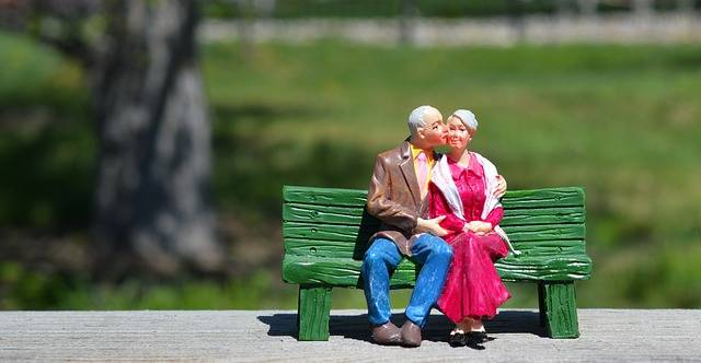Old Couple Sitting Grandparents - Free photo on Pixabay (300171)