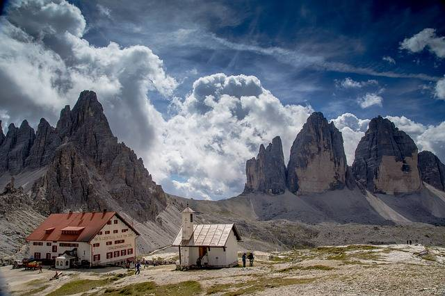 Three Peaks Of Lavaredo Hut - Free photo on Pixabay (301668)