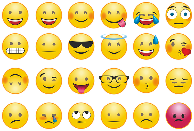 Emoji Smilie Whatsapp - Free vector graphic on Pixabay (307135)