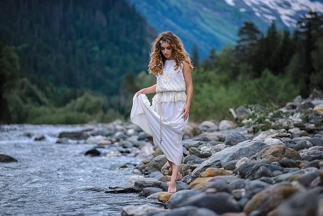 Blushing Stones Forest White - Free photo on Pixabay (324319)