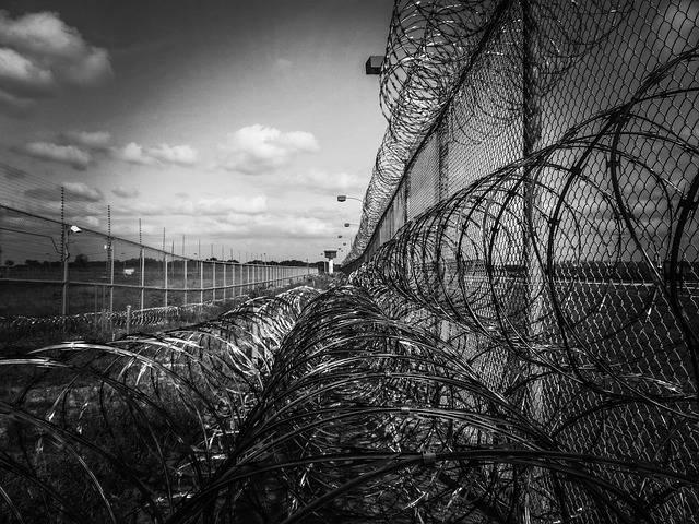 Prison Fence Razor Ribbon Wire - Free photo on Pixabay (337007)