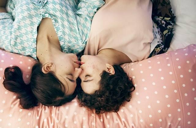 Bed Bedroom Couple - Free photo on Pixabay (338260)
