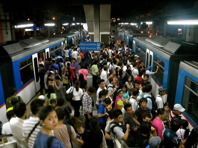 Train Crowd Transportation - Free photo on Pixabay (339991)