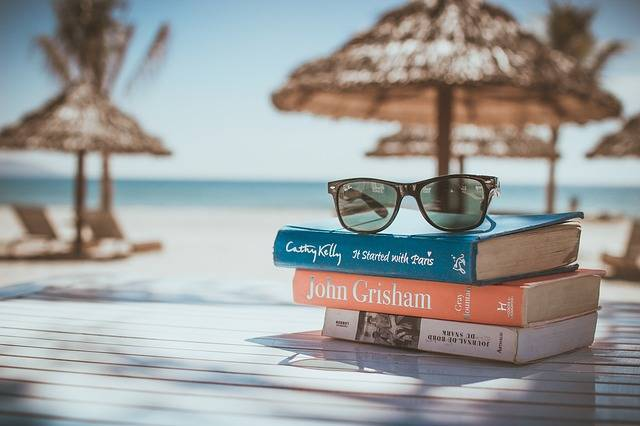 Books Reading Beach - Free photo on Pixabay (345700)