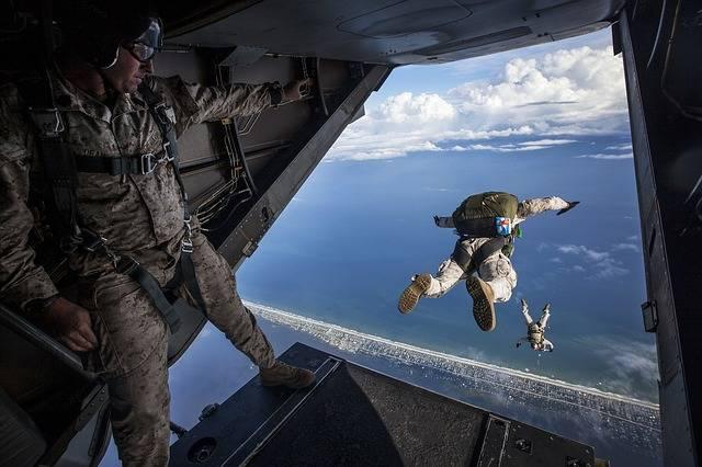 Parachute Skydiving Parachuting - Free photo on Pixabay (349921)