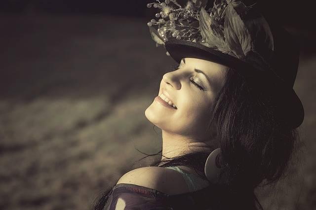 Beauty Woman Flowered Hat - Free photo on Pixabay (354532)