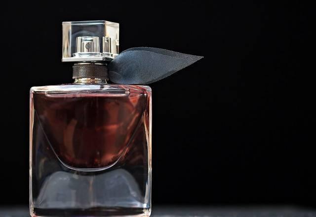 Perfume Flacon Glass Bottle - Free photo on Pixabay (357593)