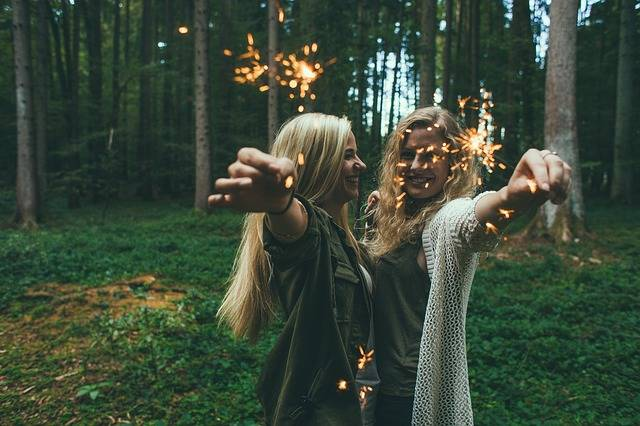 Girls Sparklers Fireworks - Free photo on Pixabay (360031)