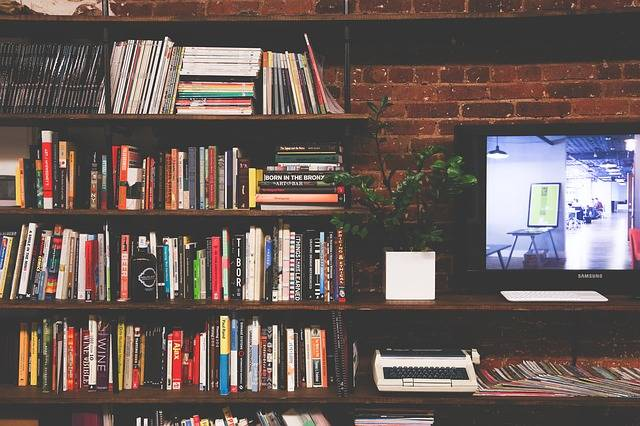 Library Books Tv - Free photo on Pixabay (362794)