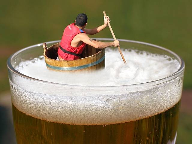 Beer Afloat Drifting - Free photo on Pixabay (364519)