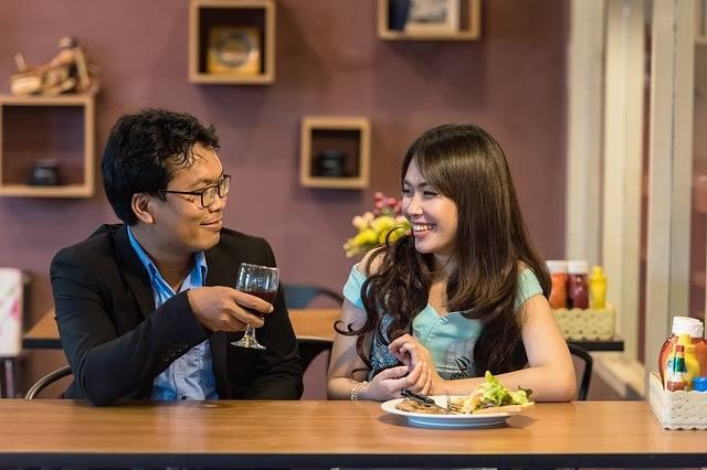 Restaurant Flirting Couple - Free photo on Pixabay (373789)