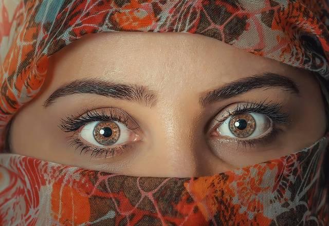 Beauty Woman Headscarf - Free photo on Pixabay (375845)