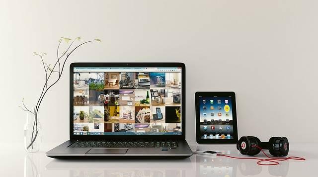 Laptop Workstation Browsing - Free photo on Pixabay (384183)