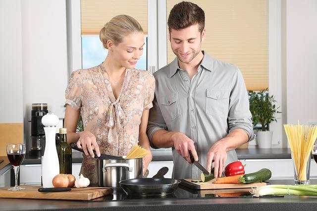 Woman Kitchen Man Everyday - Free photo on Pixabay (395361)