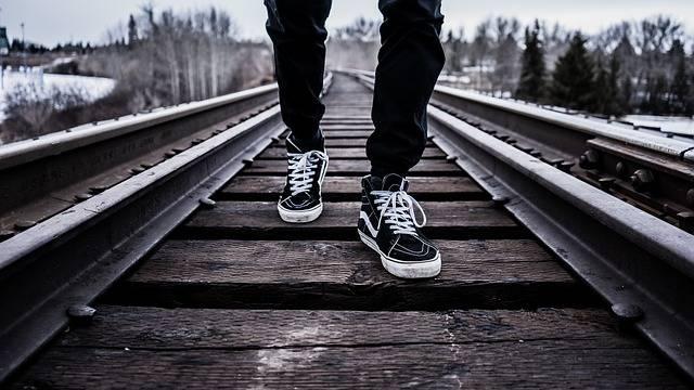Shoes Walking Railroad Tracks - Free photo on Pixabay (397948)