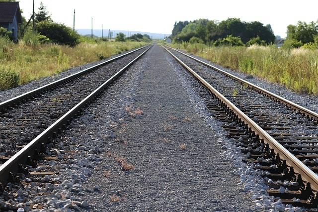 Railway Railroad Destination - Free photo on Pixabay (402942)