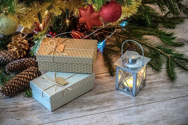 Retro Gifts Christmas Tree Vintage - Free photo on Pixabay (403057)
