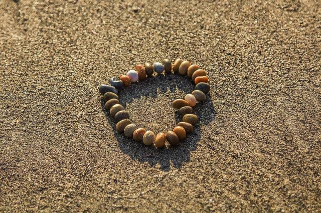 Heart Rhinestones Sand - Free photo on Pixabay (403100)