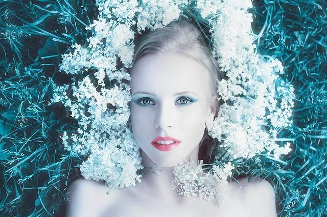 Girl With Flowers Photoshoot Hair - Free photo on Pixabay (405966)