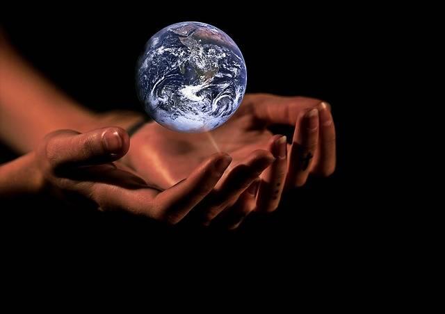 Hands Globe Earth - Free image on Pixabay (406512)