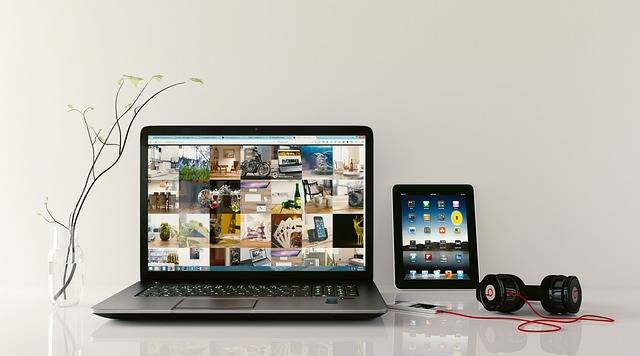 Laptop Workstation Browsing - Free photo on Pixabay (406652)