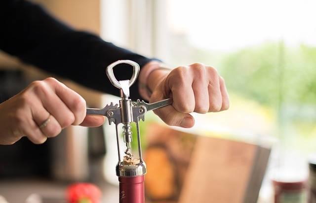 Uncorking Bottle Wine - Free photo on Pixabay (409834)