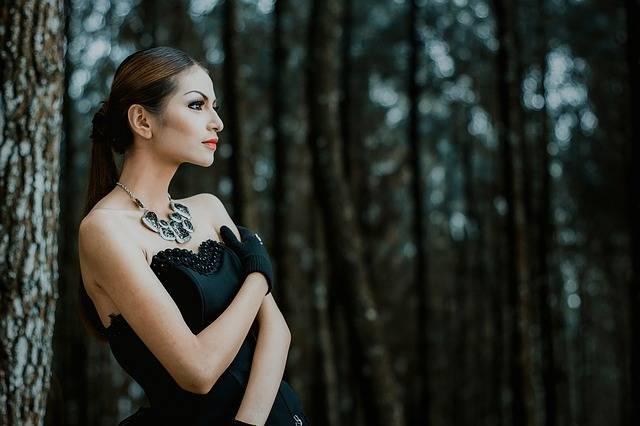 Beautiful Woman Fashion Portrait - Free photo on Pixabay (413012)