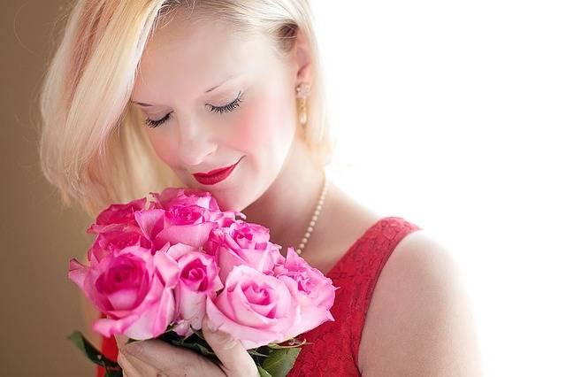 Beautiful Woman Blonde Roses - Free photo on Pixabay (413015)