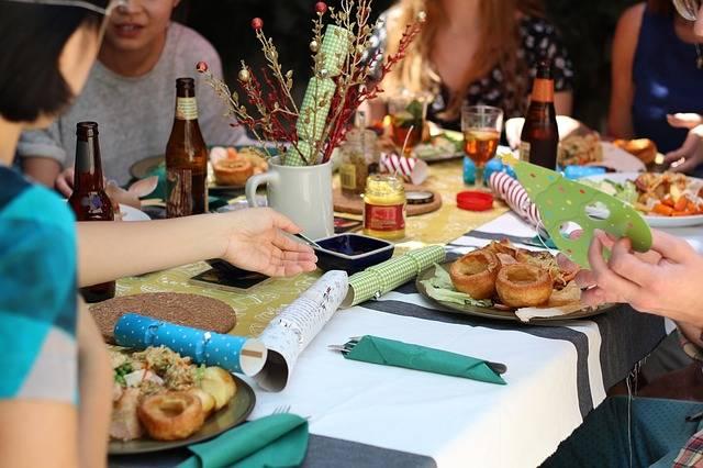 Friends Celebration Dinner - Free photo on Pixabay (432889)