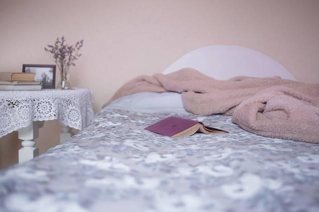 Bed Bedroom Blanket - Free photo on Pixabay (452870)