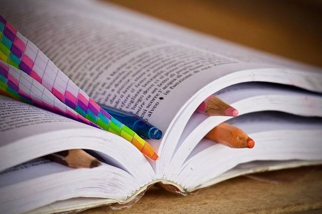 Books Pencils Pens - Free photo on Pixabay (456053)