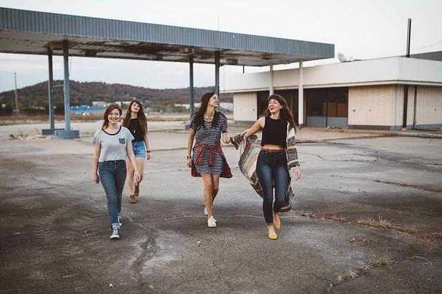 Girls Group Teenagers - Free photo on Pixabay (457854)
