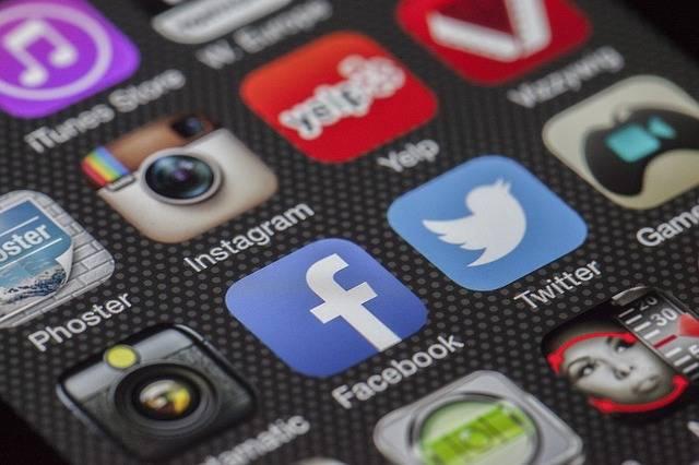 Twitter Facebook Together Exchange - Free photo on Pixabay (461217)