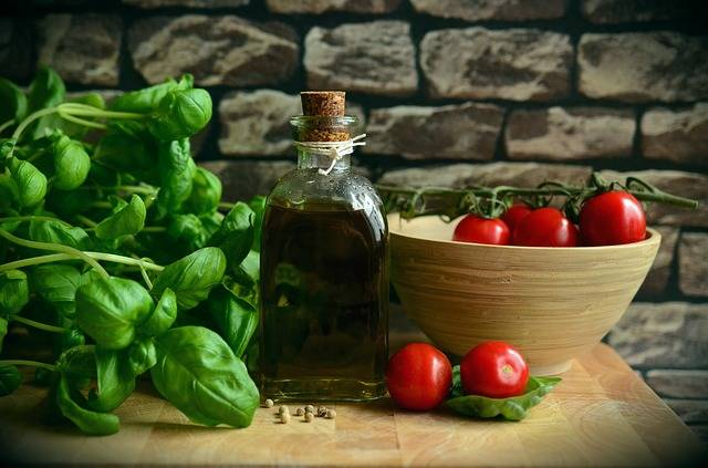 Olive Oil Tomatoes Basil - Free photo on Pixabay (465359)