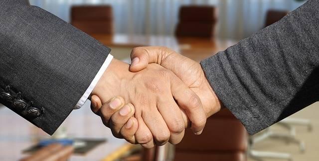 Shaking Hands Handshake - Free photo on Pixabay (470314)
