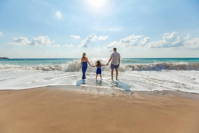 Beach Family Fun - Free photo on Pixabay (473706)