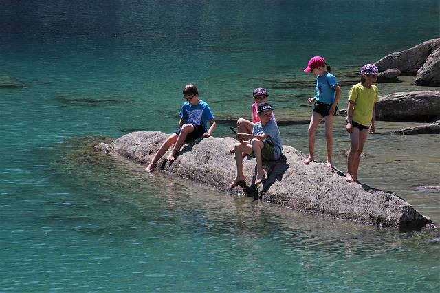 Rocks Alpine Lake Mountain - Free photo on Pixabay (473773)