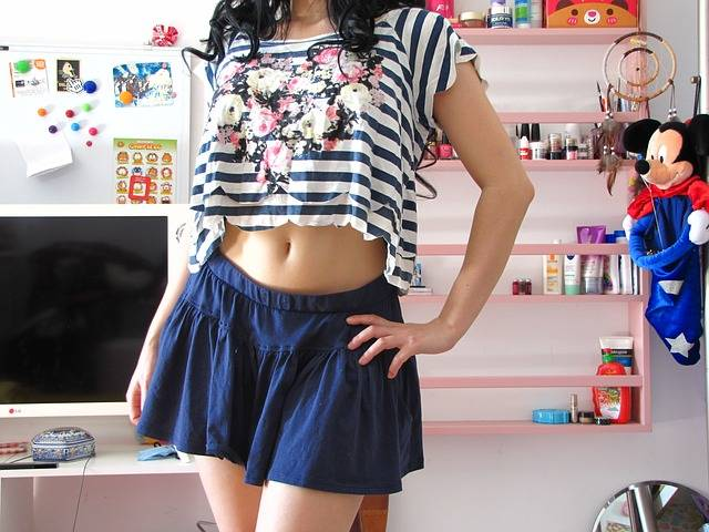 Cute Girl Skirt - Free photo on Pixabay (475159)