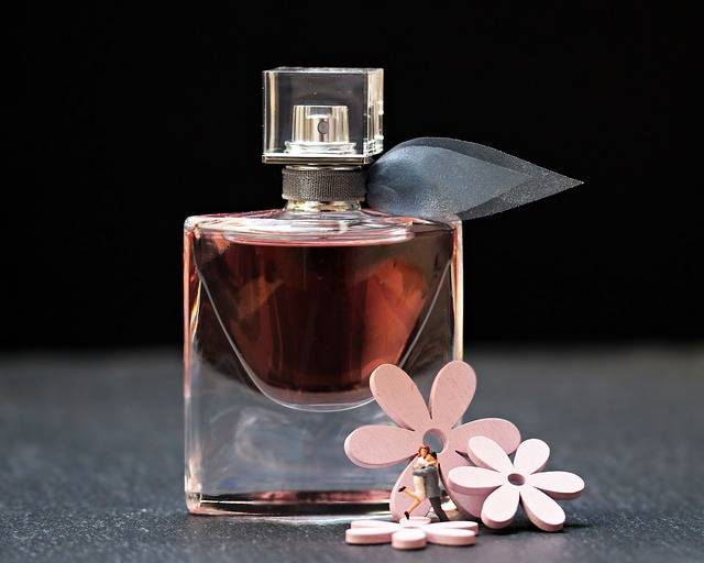 Perfume Flacon Glass Bottle - Free photo on Pixabay (477355)