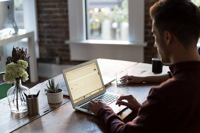 Office Desk Laptop - Free photo on Pixabay (477646)
